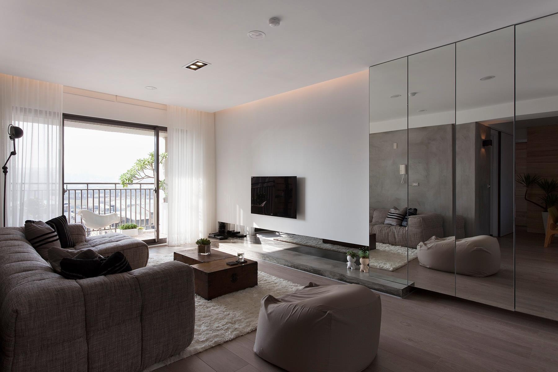 Specchi e tappeti per arredare casa