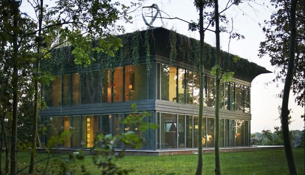Path Philippe Starck